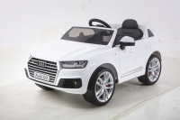 Электромобиль RiverToys AUDI Q7 Quattro Белый
