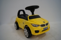 Машина-Толокар RiverToys BMW JY-Z01B Желтый